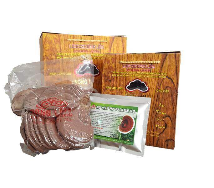 The shop sells Ganoderma soaked in wine