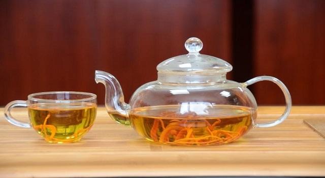 Đông trùng hạ thảo Đài Loan có thể sử dụng để pha trà, nấu cháo, hầm canh