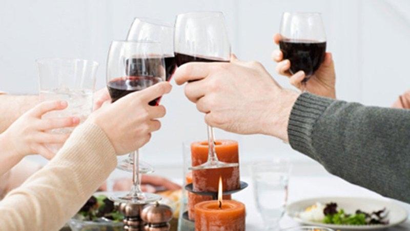 Uống nhiều rượu làm ảnh hưởng đến hệ miễn dịch